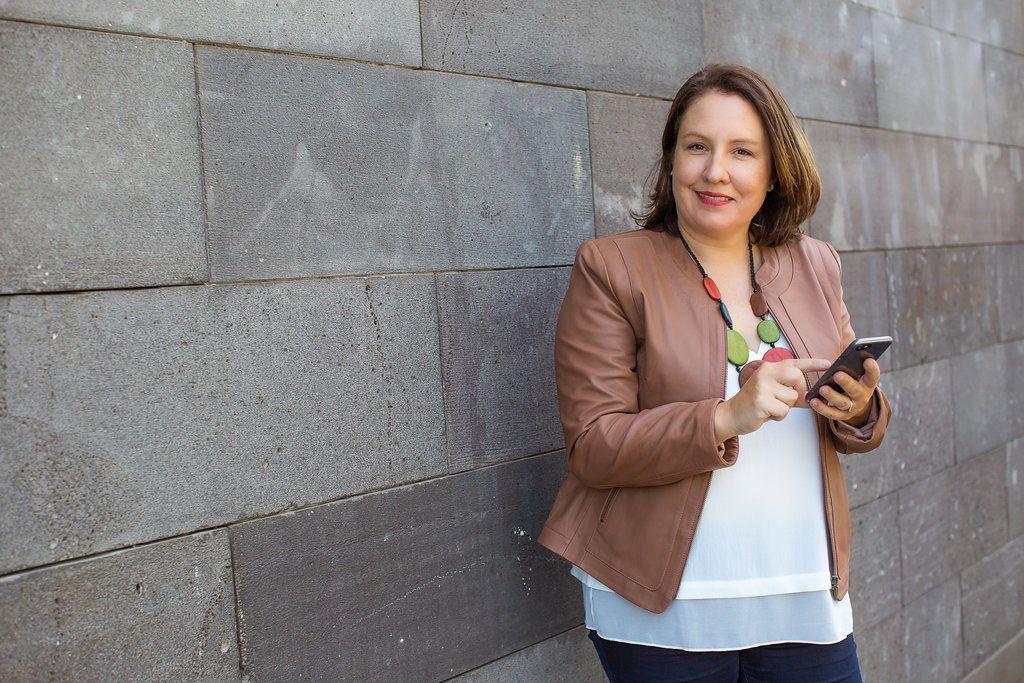 Karen Hollenbach, LinkedIn Specialist