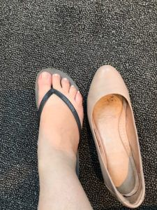 havaianas versus wedges in sydney humidity