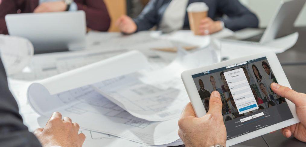best practice linkedin company page management